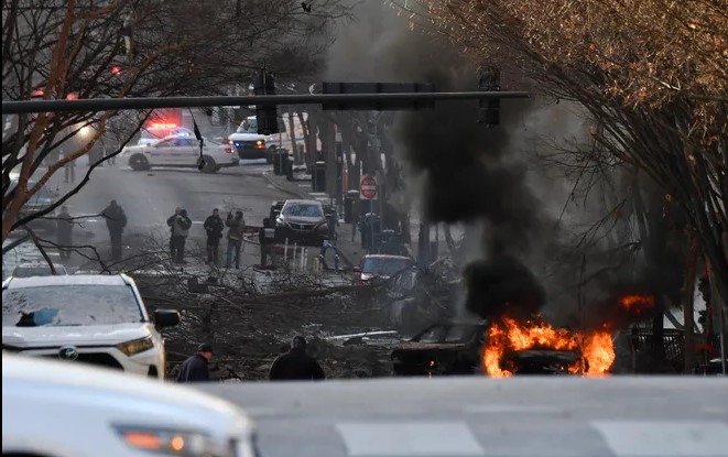 A vehicle is on fire after an explosion in the area of Second and Commerce Friday, Dec. 25, 2020 in Nashville, Tenn. Andrew Nelles / Tennessean.com explosion - Screenshot 2020 12 26 192746 - Explosion in NASHVILLE